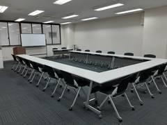 横川駅前オフィスビル内、窓開閉可能で換気抜群、企業向け、リーズナブルな会議室
