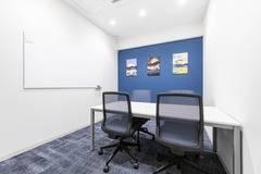 【新横浜駅徒歩3分!】完全個室で安心!4名用会議室✨打合せ/WEB会議/テレワークにもおすすめ!