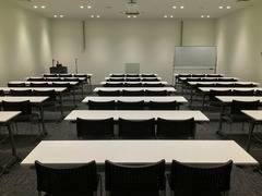 [岡山駅徒歩10分]セミナールーム 定員48名 TOGITOGI