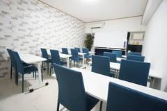 <シルク会議室>リモートワーク・テレワークにぴったり!新大阪駅3分♪WiFi/プロジェクタ/モニター無料