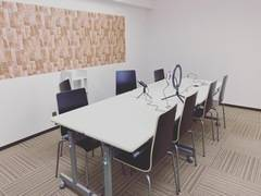 『動画撮影&ミーティング、講座など学びのスペース」博多駅前Nスタジオ
