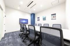【新横浜駅徒歩3分!】完全個室!8名用会議室✨#大型モニター#WEB会議#テレワーク#Wi-Fi完備#電子黒板
