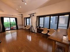 新宿 レンタルスペース 会議、セミナー、リモートワーク、講習会、ワークショップ、楽屋/控え室利用など最適。高速インターネット、5面採光で明るく広々!換気も抜群!