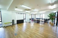 <SG Lounge ミーティングルーム>完全個室の会議室✨光回線Wi-Fi無料!会議/商談/研修/面接
