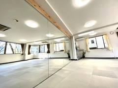 ※緊急事態宣言に伴い5月11日まで休業※【24時間利用可能・wifi完備!】調布でダンスも出来るスペース!