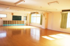 【ひつじ】三鷹市の旧保育園舎です。駐車場無料|広いスペース|ダンス|リトミック|Wi-Fi|室内飲食可