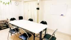 《会議室Bee》長堀橋2分!高速Wi-Fi、6人までの会議や研修、面接、作業、リモートワークなどに!