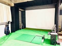 完全個室!小倉でシミュレーションゴルフができるスタジオ。飲食持ち込み無料。飲酒可。フリーWiFi完備。1人練習はもちろん、数人でレジャーにも!