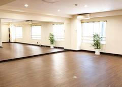 【中区】スタジオ・レッスン教室/全身鏡が壁2面