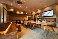 AND HOSTEL HOMMACHI EAST - 堺筋本町駅徒歩6分のホステルで作業・勉強に