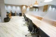 <モディコワーキング1人用自由席D>フリーアドレスで快適に作業⭐️静岡モディのコワーキングスペース✨Wi-Fi/コンセントあり!