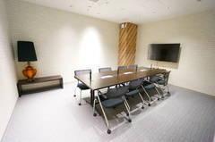 <モディコワーキング8人会議室(Meeting Room1)>静岡モディの会議室✨Wi-Fi/コンセントあり!リモートワーク/Web会議/打ち合わせ
