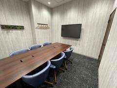 【札幌駅徒歩5分】WEB会議やテレワークにもおすすめ✨6名用会議室 #Wi-Fi#電源#ホワイトボード#モニター#フリードリンク#コンシェルジュ