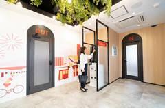 【いい部屋Space新潟店 個室1人用】新潟駅徒歩12分、WEB会議可能な鍵付き個室で会議、テレワーク、仕事、勉強を!Wi-Fi無料、防音室あり。