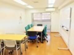 【代々木徒歩4分】 貸し会議室 閑静な住宅街、広いお部屋でゆったり打ち合わせ