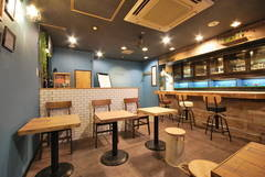Smart Space Kamata【JR蒲田駅西口徒歩3分】カフェ風レンタルスペース(フレッツ光回線WiFi、大型モニター、ホワイトボード設置)