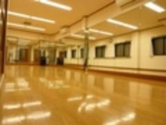 阪急十三駅徒歩10分!!鏡張りスペース!!