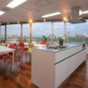 【川崎駅】綺麗なオープンキッチンでお料理教室をしませんか?