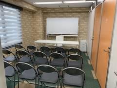 【マルチスペース】オープンスペース+個室×2室(合計で23名程度まで)
