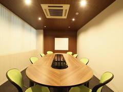 広瀬通【仙台協立第2ビル2階第3会議室】8名様用 トラック型のテーブルのあるオフィシャルな会議室!