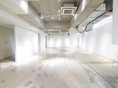 【B102】南船場のランドマークビルにある、心斎橋駅、本町駅すぐのレンタルスペース。【大阪市中央区】