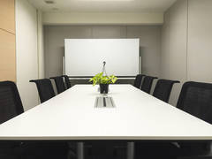 【東京駅0分・八重洲地下直結02】完全個室 2F 02アインシュタイン会議室Wi-Fi