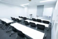 新宿徒歩7分【別館】知恵の場オフィス 会議室D (最大18名)
