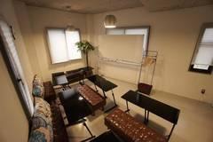 ☄神田駅徒歩1分☄エリア最安値!クリエイティブ会議室・12名収容可・WIFI/プロジェクター/大型ホワイトボード無料・完全個室