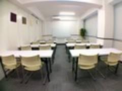 新橋駅徒歩3分 RAKUNA新橋Ⅱ (2部屋セット)清潔感あるシンプル内装 プロジェクター設備も有り!