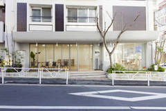 レンタルスペースさくら 原宿 北参道 1F | 北参道駅5分の好立地。路面に面した開放的な空間。