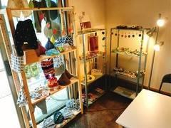 ハンドメイドが集まるおうち ゲストハウス&シェアハウス−カンノコ北大路のコワーキングスペース