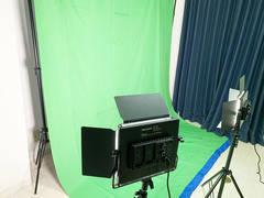 【渋谷駅 徒歩5分】 クロマキー撮影、50型モニター・ホワイトボードつき会議室・コスプレ撮影・セミナーなどに!Orlando