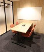【広島駅徒歩5分!!】Wi-Fi・電源完備!面接や急なミーティングに!貸会議室~4名