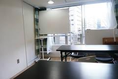 【新宿・都庁前 最大6名】新宿駅から徒歩圏の静かなセミナールーム Wi-Fi完備