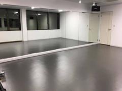 【浦和】安い!綺麗!1時間\¥1300-から使えるダンススタジオ Bスタジオ