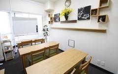 < ストーリー会議室 >【名駅東口徒歩5分】WIFI/プロジェクター無料・ゆったり10名・完全個室