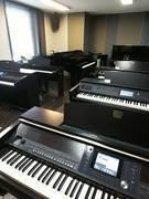 【渋谷駅徒歩7分】ヤマハの音楽練習室Room12 ~複数鍵盤楽器使用のアンサンブルも可能です~