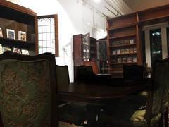 選書する書店フォルケは、みなさまに特別な時間と場所を提供しています。高級感のあるスペースを使いたい方へ。五反田駅徒歩5分の選書する書店フォルケをレンタルスペースとしてご利用いただけます。
