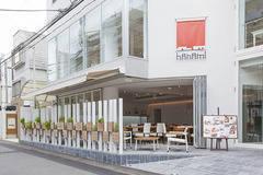 レンタルスペース hanami 表参道 表参道駅から徒歩3分♪女性に人気のカフェスペースです。セミナー・会議・企業パーティー・タイアップカフェ・プレスリリース・など、さまざまなシーンでご利用ください。の写真