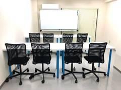 【高田馬場駅 徒歩4分】最大18名可★コンビニ・牛丼屋の上★シンプルで使いやすい会議室