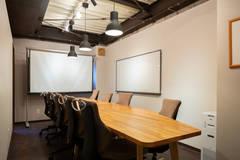 【会議室1】オンラインミーティングに最適!【完全個室】