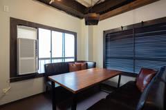 【会議室2】セミナーや面接などに便利な個室【モニター無料貸し出し】