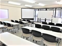 ☐ 秋葉原T-space/4階WHITE・ROOM ☐ 最大30名迄使用可能!設備は全て無料!高速Wi-Fi◎会議・研修・セミナーに最適♪