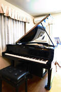 【明大前 徒歩4分】 グランドピアノの練習室♩《 幼児~高校生向け・音楽教育が特色・ミュージックスクール 》音大生の個人レッスンはもちろん、お子様連れのお母様などにもおすすめ