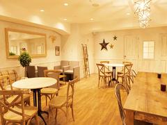 【表参道】パーティやミーティングに!インテリアが素敵な万能空間/Cafe Rooters
