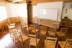 ★なんば・心斎橋から近い★完全個室の会議室(キッチン付き)『Tree room』