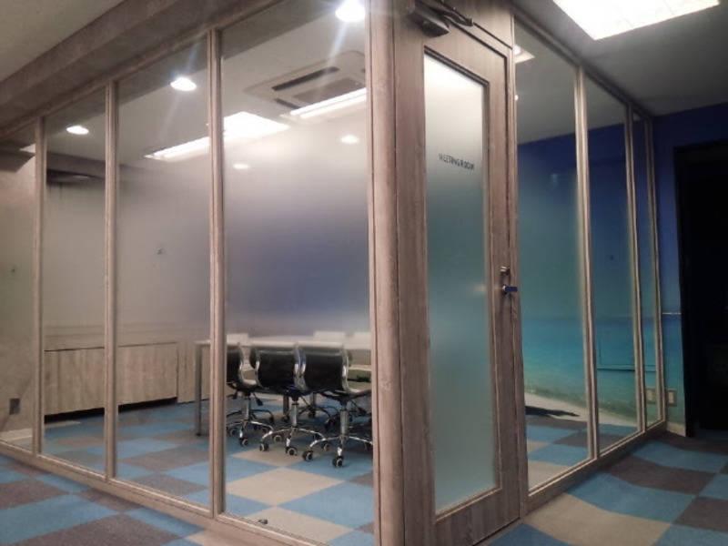 KIZASU.Office 2Fミーティングルーム(~8名)の写真