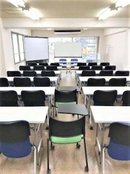 新宿T-space最大40名迄使用可能!新宿エリア最安値の貸会議室!セミナー、ミーティング等に最適♪