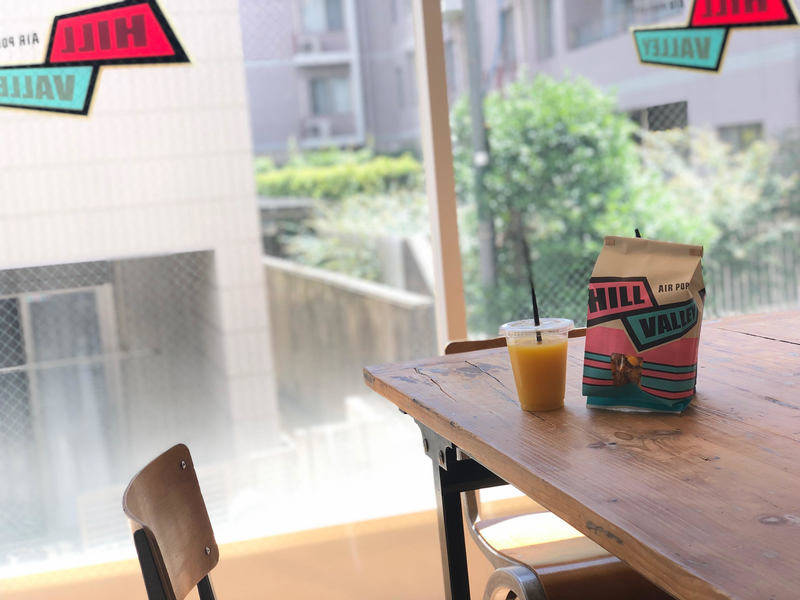 【中目黒徒歩3分】オープン記念特価!全日全時間帯1時間500円!ミーティングや撮影にも☆ポップコーンとドリンクを販売している店舗の2Fフリースペース☆