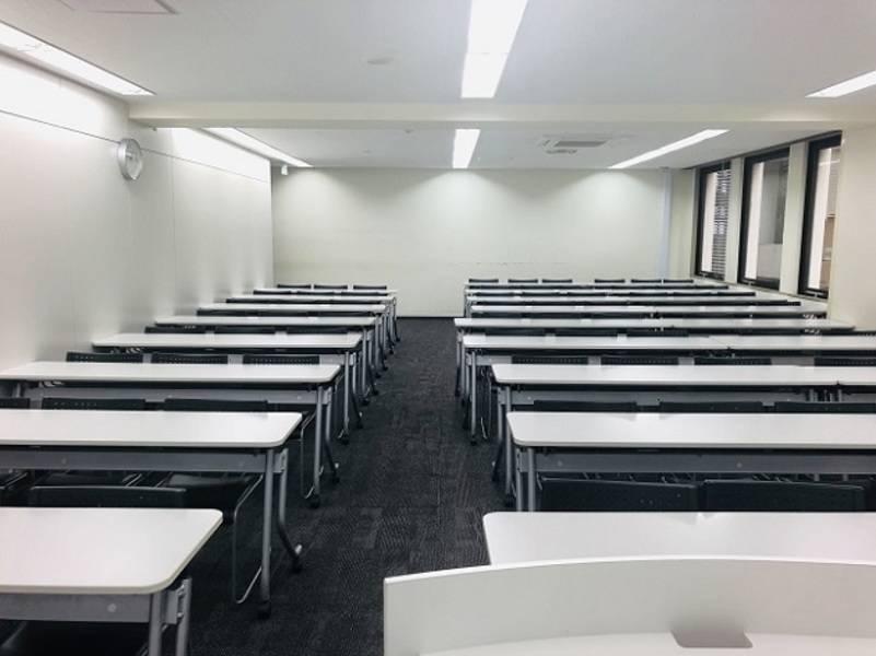 新宿駅近80名収容:1時間¥2000~【JR新宿駅・徒歩3分】アクセス便利・無線LAN完備!!